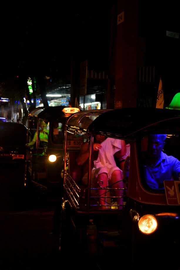 Take a Tuk Tuk Tour of Bangkok // Nattie on the Road
