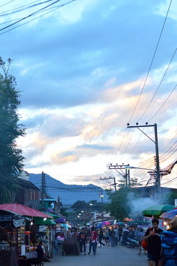 Night Market, Pai