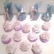 Lavendelsåpe formet som kremtopper