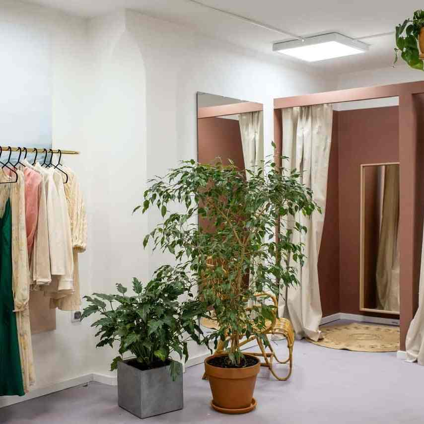 spacious changing room design in a boutique