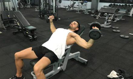 Exercice musculation: Écarté couché incliné