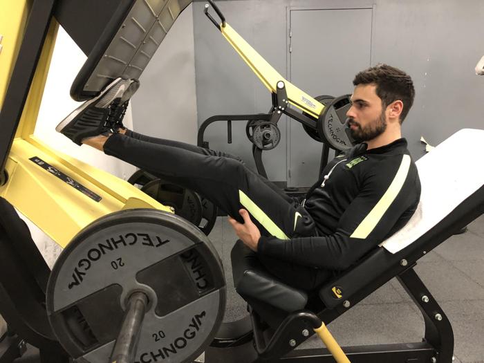 Exercice musculation: Extensions mollets à la presse