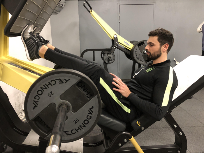 exercice-musculation-mollet-presse-a-cuisse