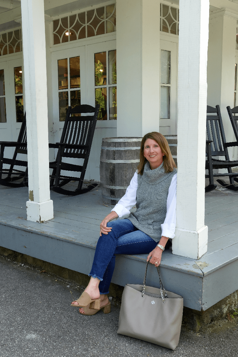 OOTD Fall Preview | Fall Outfits | Cute Fall Sweaters | Frayed Jeans | 5 Key Pieces for Fall