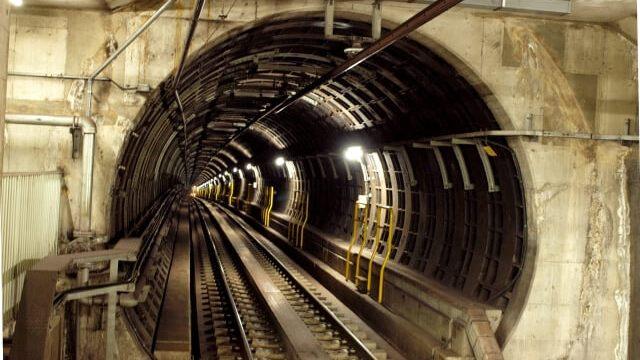 地下鉄のトンネルの写真