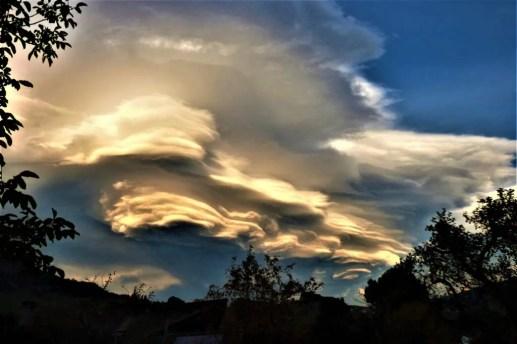 Natur Schauspiel Föhnstimmung Wolken