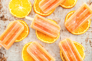 Hoe maak je in een handomdraai gezonde suikervrije kinderijsjes en ijskoude snack?