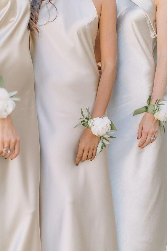 Pulsera de flores para damas de honor