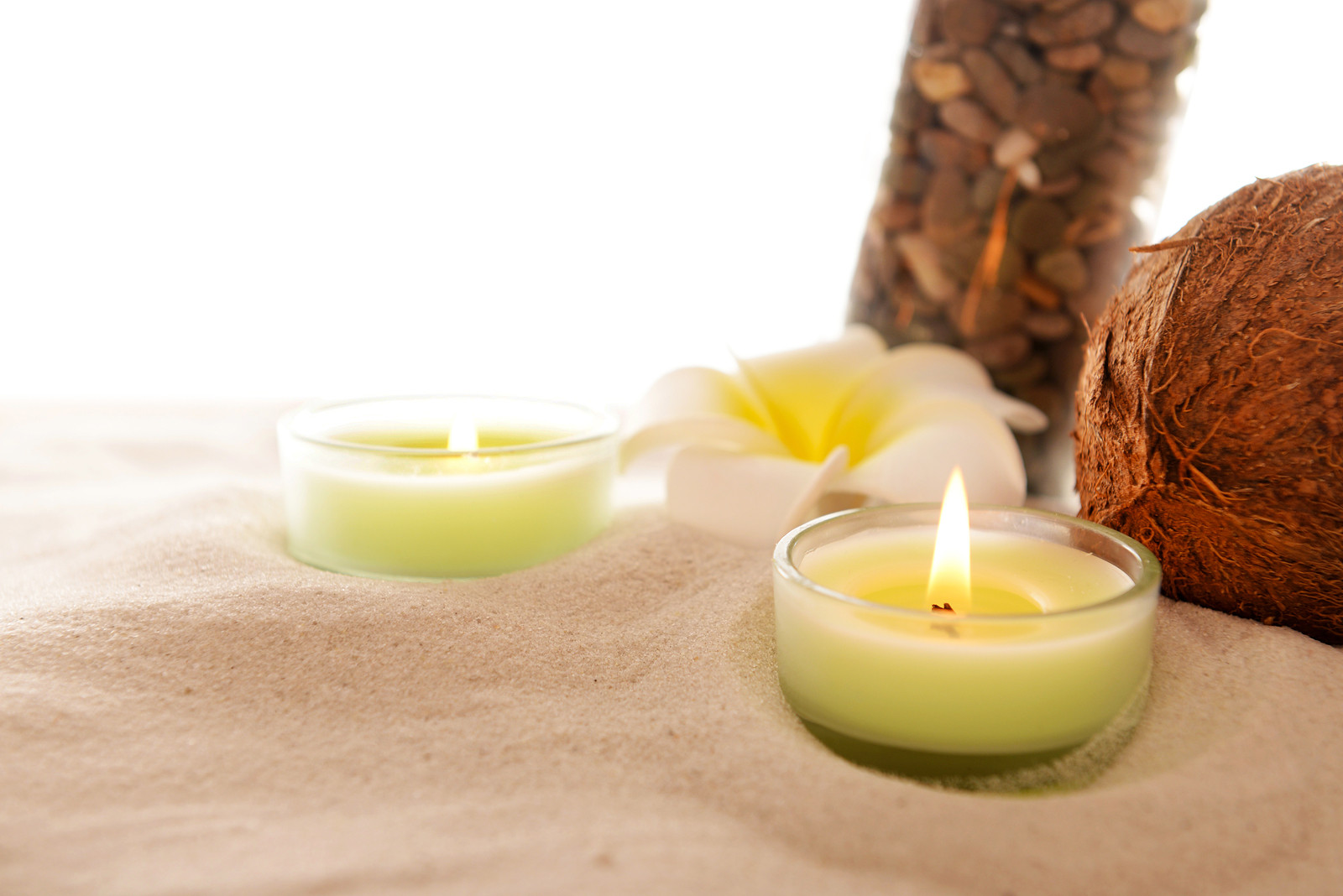 11 Organic Candles That Are the Right NonToxic Choice for You  NaturalCave