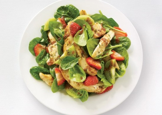 Spinach, kiwi and chicken salad