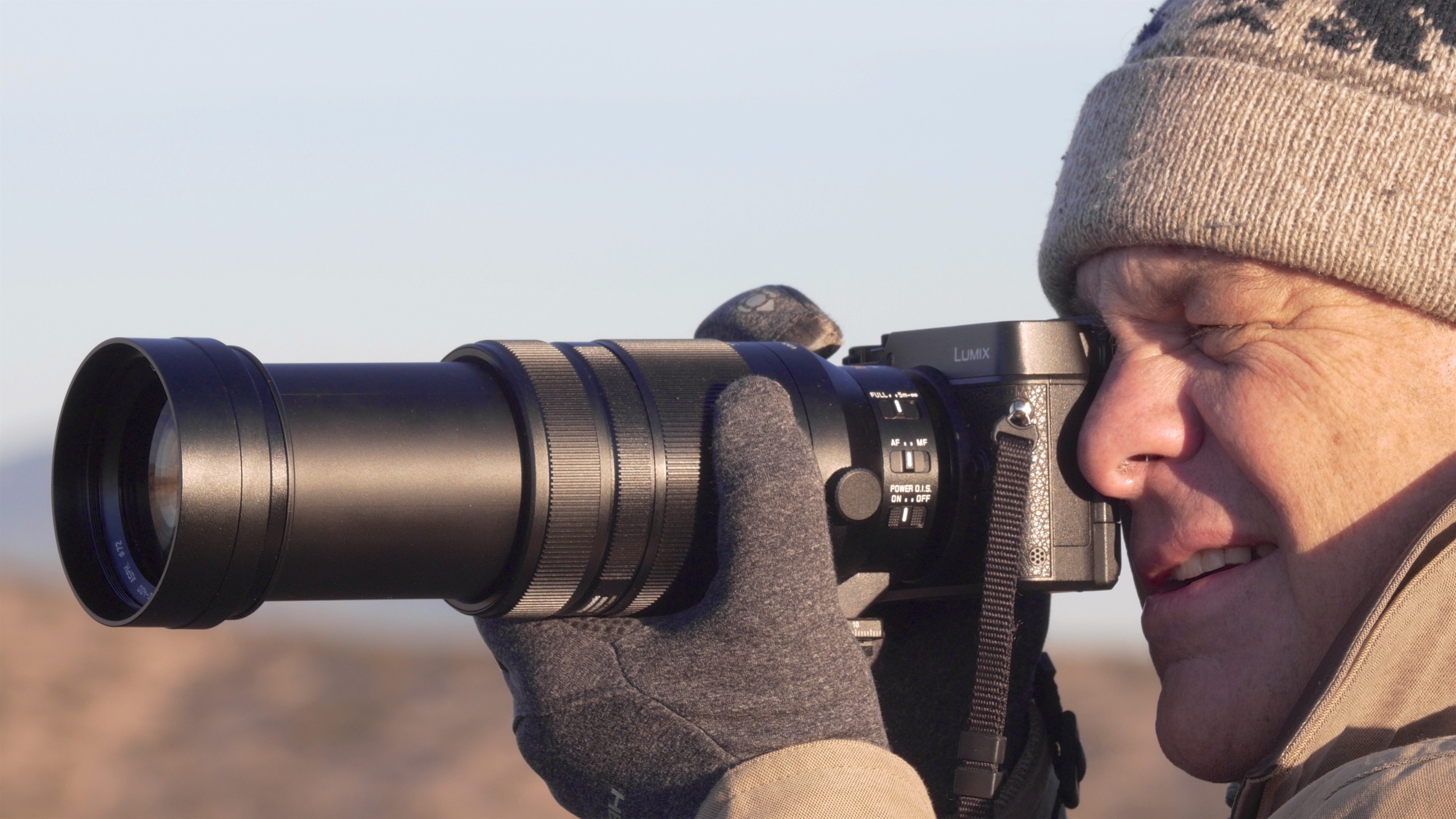 Me shooting the 100-400mm hand held zoomed all the way out to 400mm.