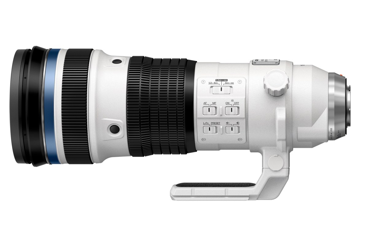Olympus 150-400mm without lens hood.