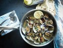 Foods that weaken immune systems: Image of oysters in a plate.
