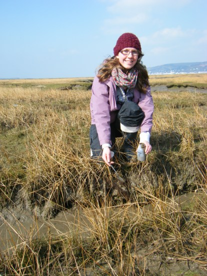 Angela Roberts collecting living Foraminifera