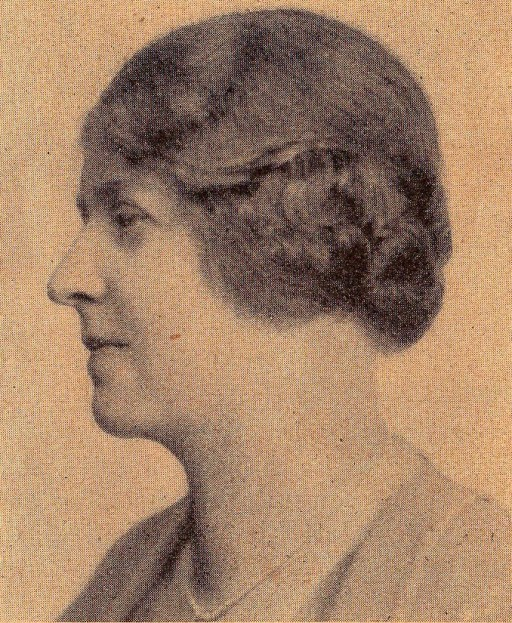Portrait of Dorothea Bate in profile from the shoulders upwards.