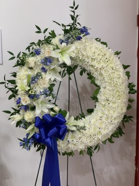 FNR004 $260.00 King wreath white and
