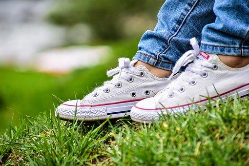 靴の布汚れの落とし方 白いスニーカーやパンプスが綺麗になる方法