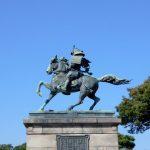 サムライ銅像