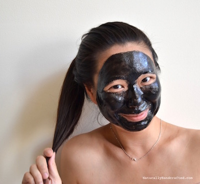 Diy charcoal mask recipe glue free peel off video naturally waiting for non peelable diy charcoal mask to dry solutioingenieria