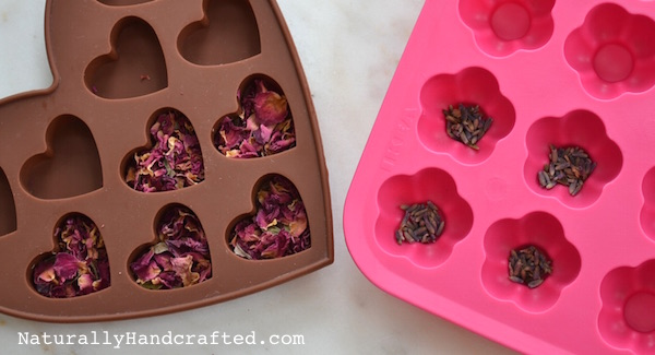 Dried Flowers in DIY Bath Melts