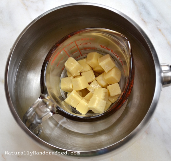 Melt Butter and Oil for DIY Bath Melts