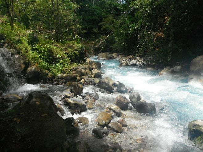 costa-rica-blue-water