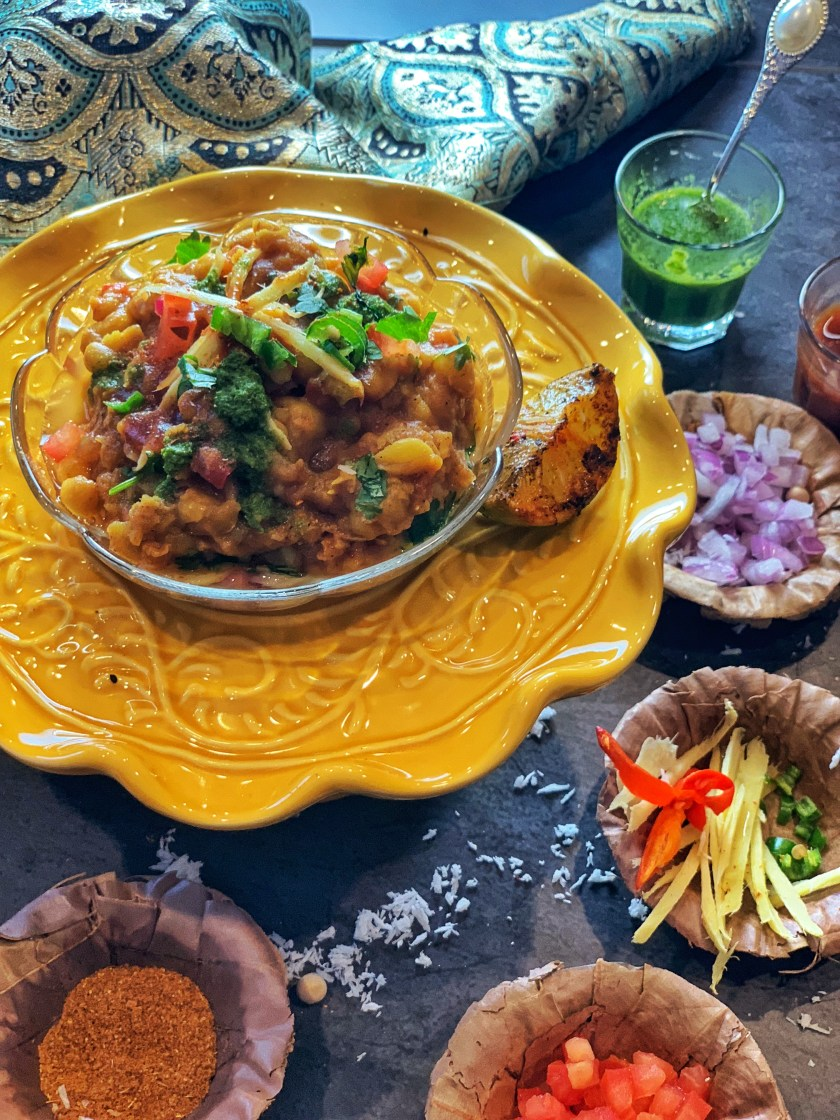One of the most iconic dishes found on the busy streets of Kolkata, Ghugni Chaat is a snack made of dried white peas, veggies and a medley of spices. Try this quick and easy Instant Pot recipe for a healthy meal which is nutritious and oil free! Enjoy this yummy Indian street food as a chaat or as a curry with some naan bread for the ultimate dish!!