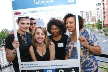 Just a little Insta Fun with Sam + Nic of Pixiwoo , my blogger boo Here's Toya and the Real Techniques Brand Manager | Naturally Stellar