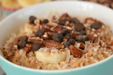 Tropical breakfast oatmeal - 25 Fabulous Oatmeal Recipes   Naturally Stellar