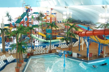 Indoor Water Park Resorts Worth A Road Trip | Naturally Stellar