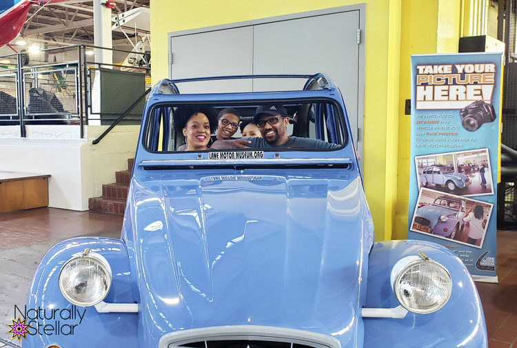 Family photo in vintage car | Naturally Stellar
