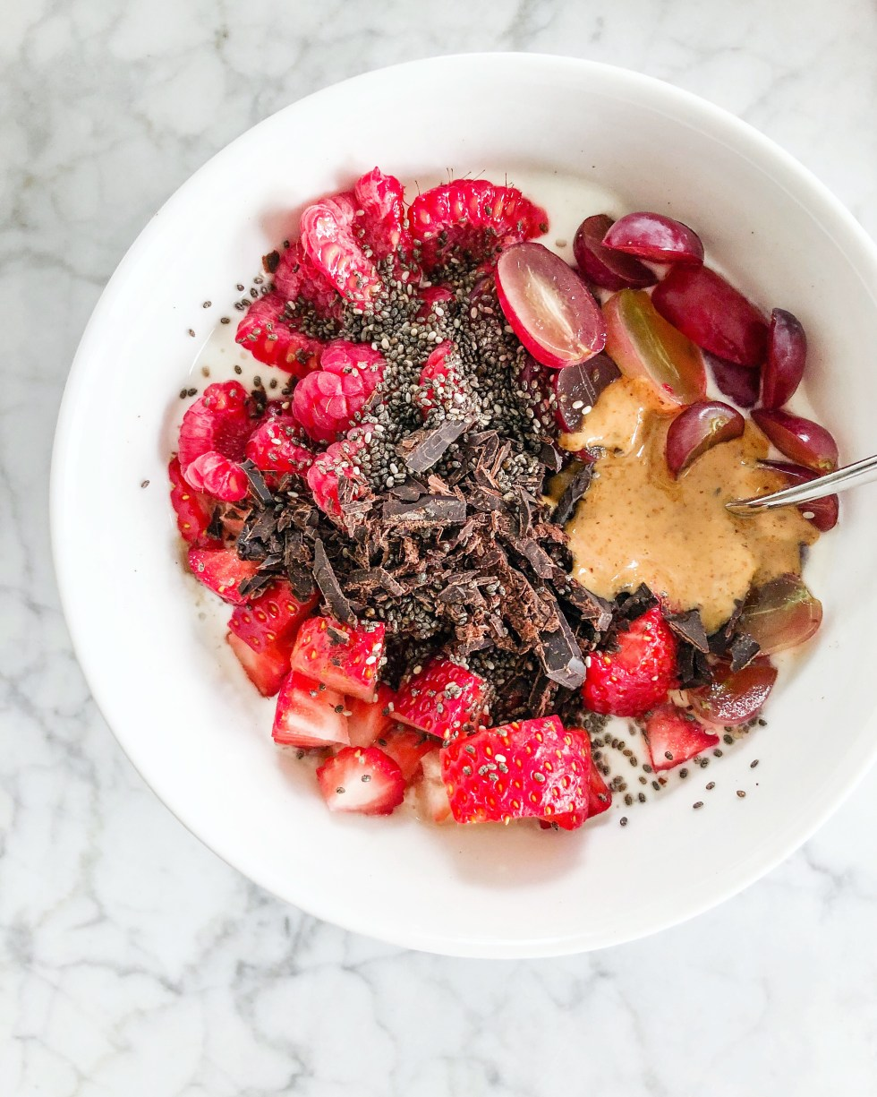 Fruit Topped Choc Chia Skyr Bowl