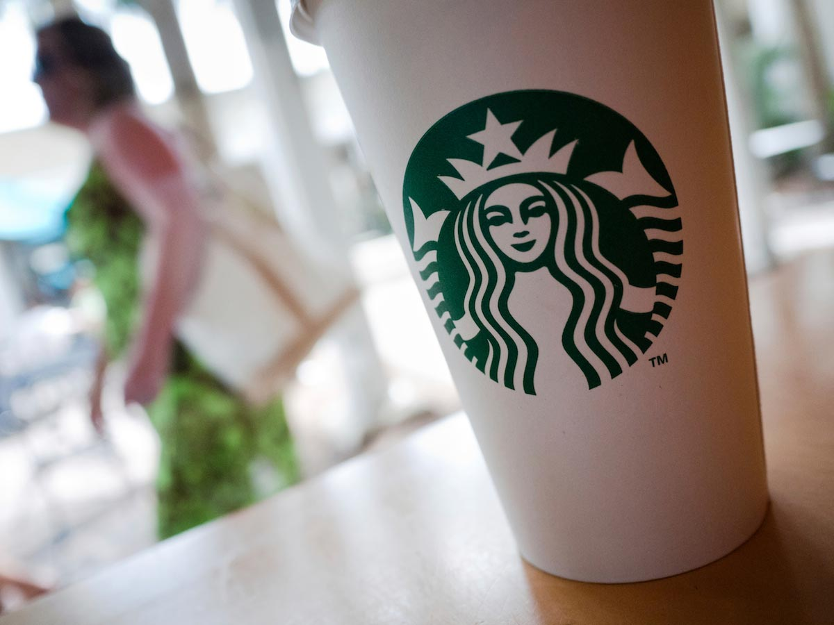 Image: Backlash: Starbucks takes a beating after plan to hire 10,000 Syrian refugees backfires
