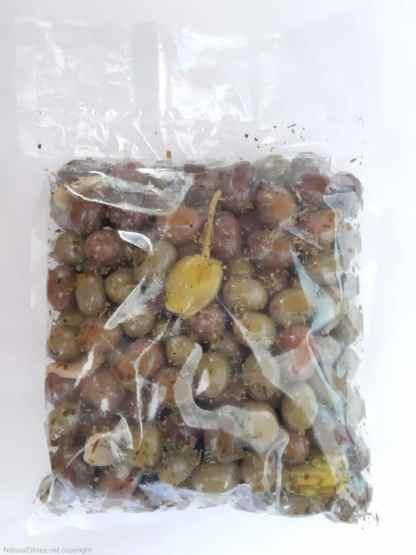 """Мікс оливок та перчиків у маринаді """"Наполі"""". В оливковій олії, лимонному соці, розсолі та італійські спеції с/к 1,8кг с.в."""