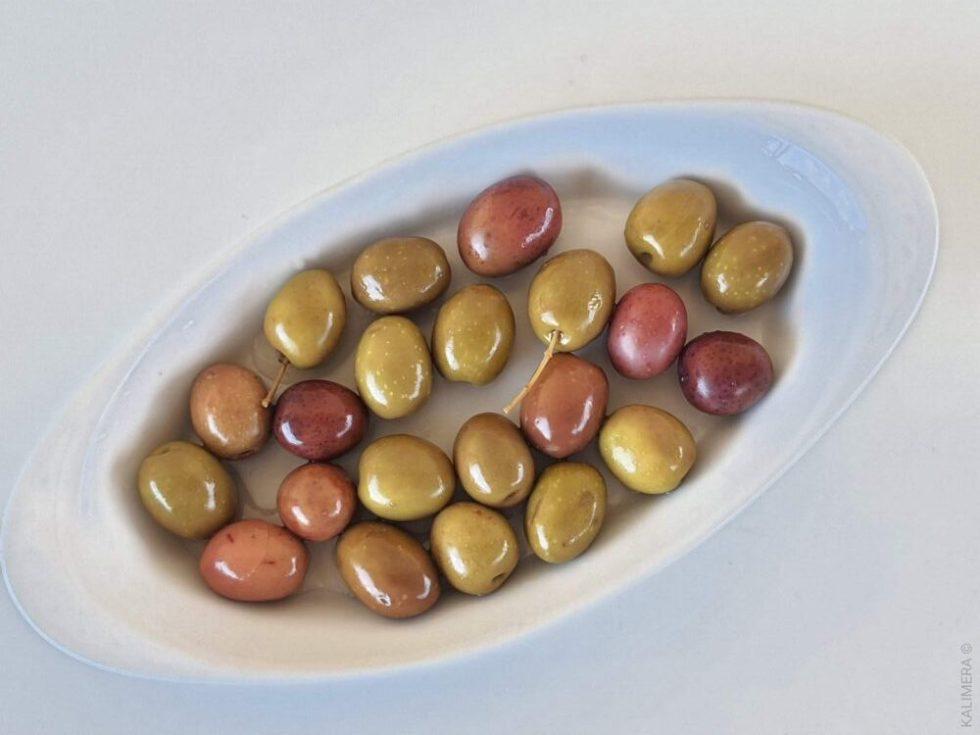 Селянські мармурові смарагдові оливки Jumbo 181-200 з кісточкою 3кг с.в. в морській солі ПЕТ-пакетик 70565