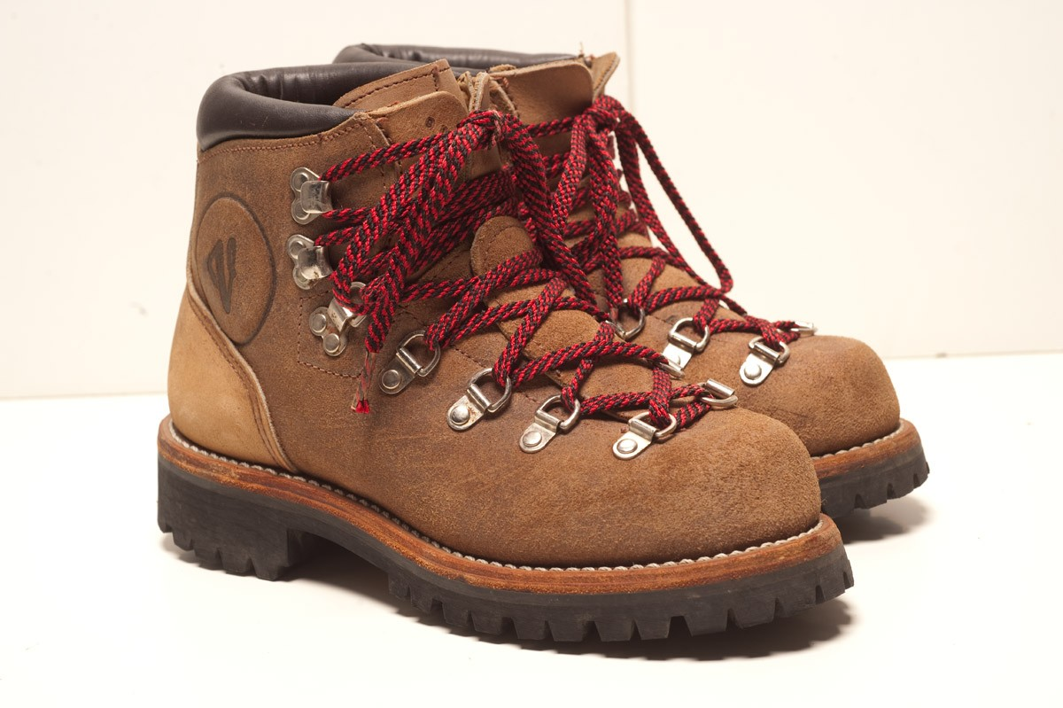 Vasque Retro Boots Walk Right Before You Run And Only In The Right Shoes Natural