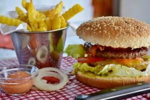 Fast Food - Nährboden für Pilzerkrankungen