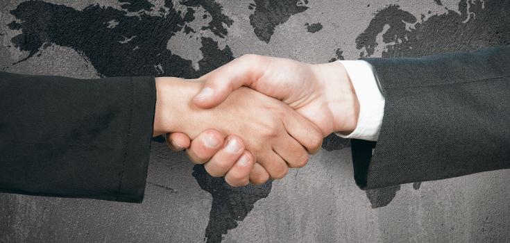 hand_shake_deal_business_735_350