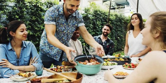 Helpful Tips for Eating Out on Vacation