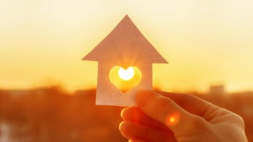 10 Affordable Ways to Maintain a Healthy Home_Title