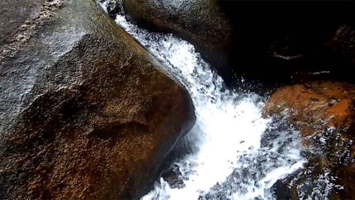 Pedra Que Engole - Trindade - Foto