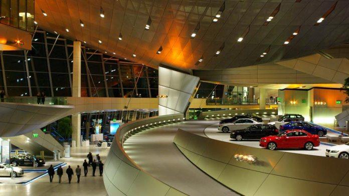 Pontos turísticos em Munique - Museu da BMW foto