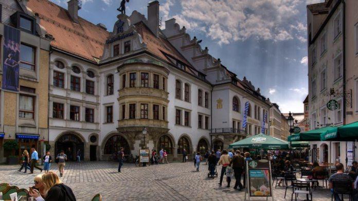 Pontos turísticos em Munique - Cervejaria Hofbräuhaus foto