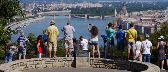 Segurança - Budapeste foto