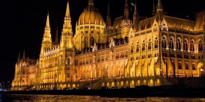 Parlamento da Hungria - Budapeste foto