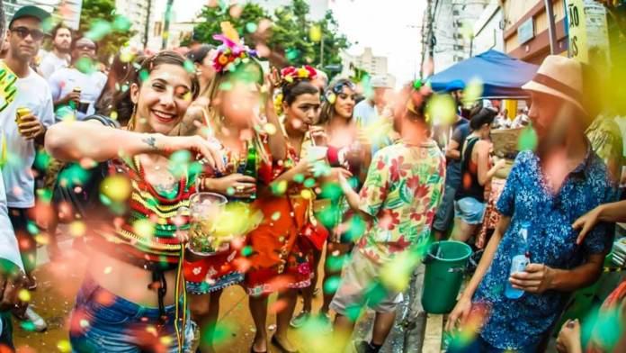 Onde passar o Carnaval foto