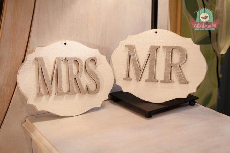 """MR és """"MRS"""" esküvői felirat"""