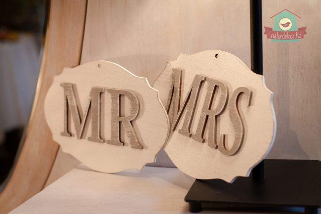 """""""MR"""" és """"MRS"""" esküvői felirat"""