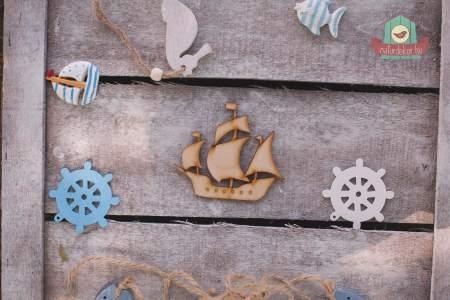 Fából készült árbocos hajó