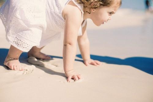 Motricité libre : Laissez bébé vous prouver ses capacités